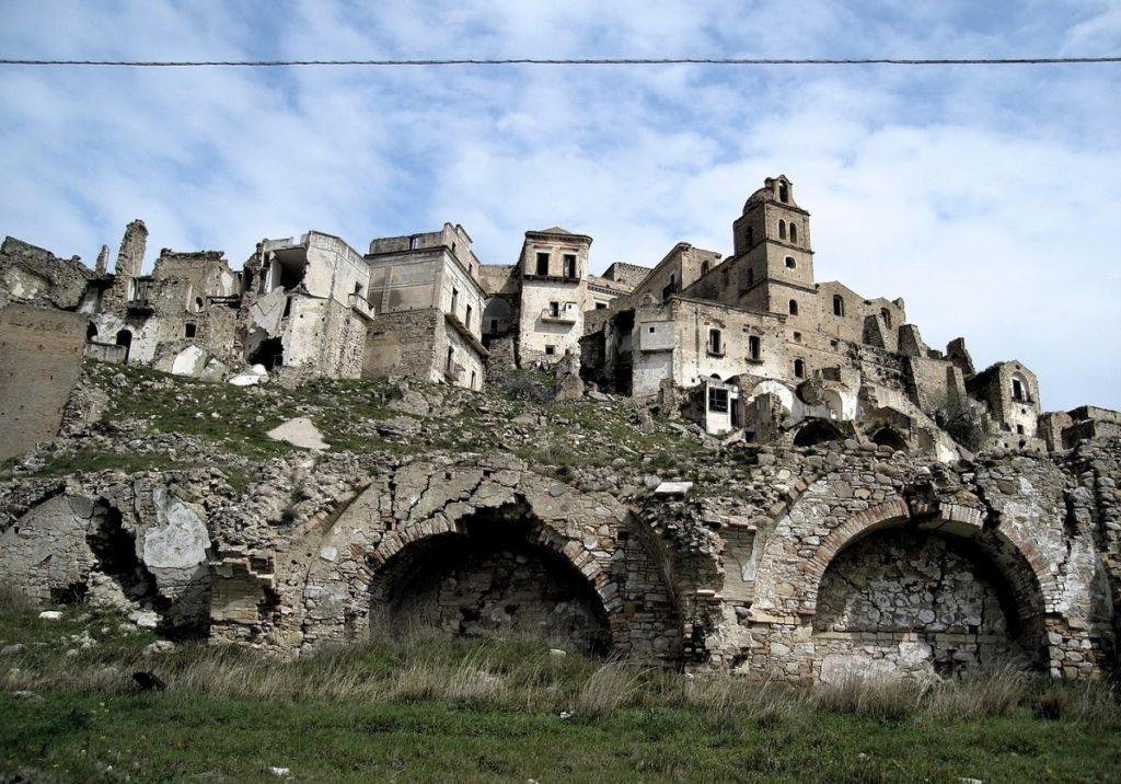 craco-borgo-fantasma-matera-basilicata